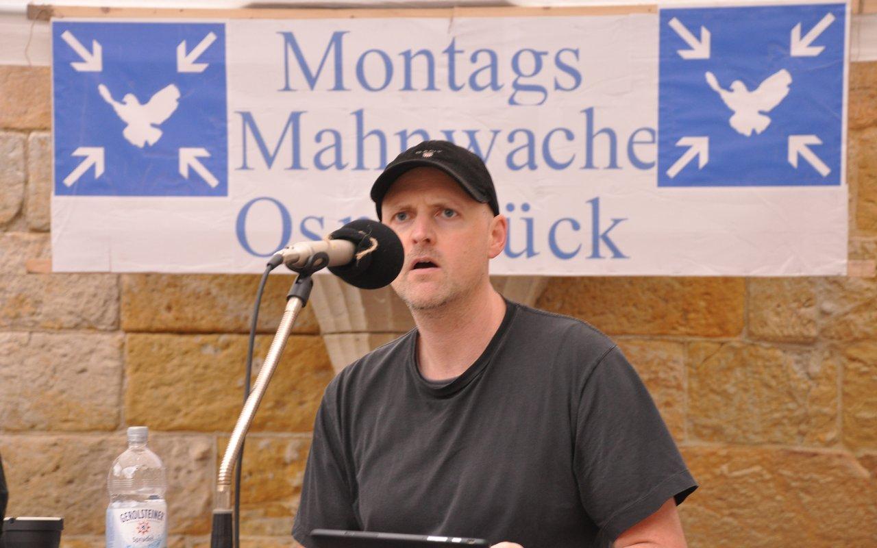 03-spontane-ansprache-sascha-montagsmahnwache-osnabrueck-16-06-2014-DSC_0017