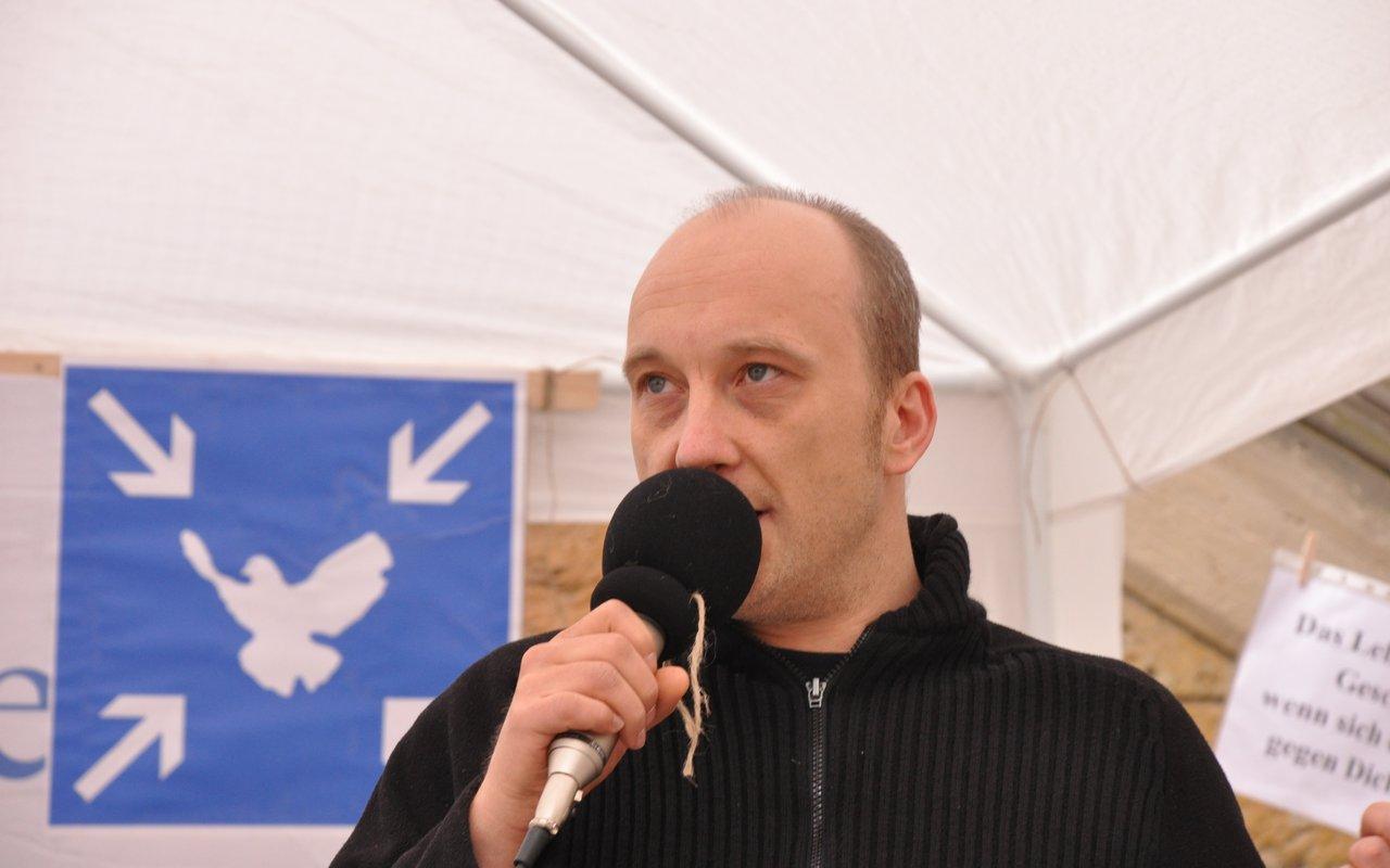 06-spontane-ansprache-ulli-montagsmahnwache-osnabrueck-16-06-2014-DSC_0061