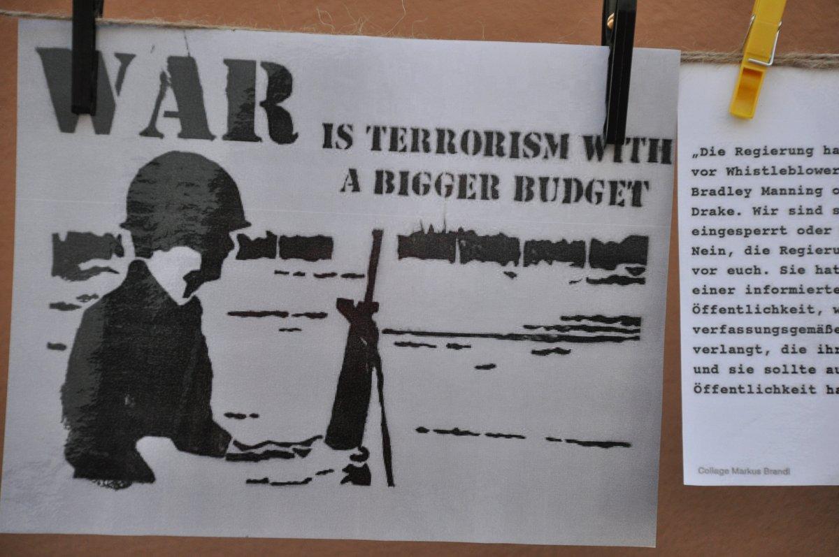 17-war-is-terrorism-with-a-bigger-budget-schild-19-05-2014-DSC_0064