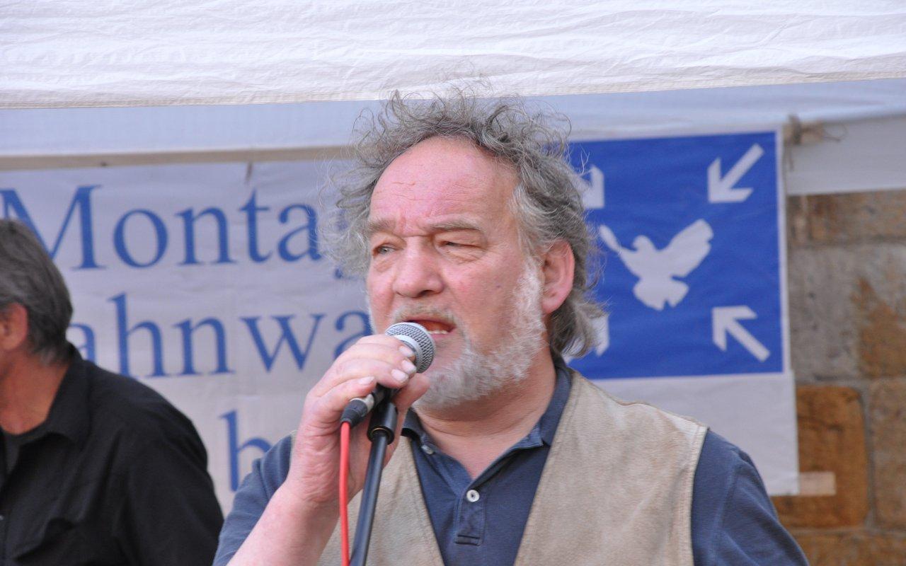 10-spontane-ansprache-bernhard-Montagsmahnwache-osnabrueck-23-06-2014-DSC_0293