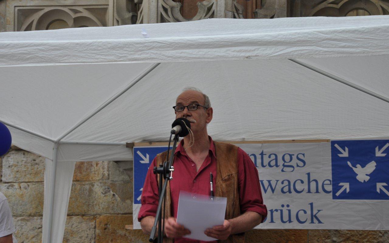 06-spontane-ansprache-?-montagsmahnwache-osnabrueck-26-05-2014-DSC_0452