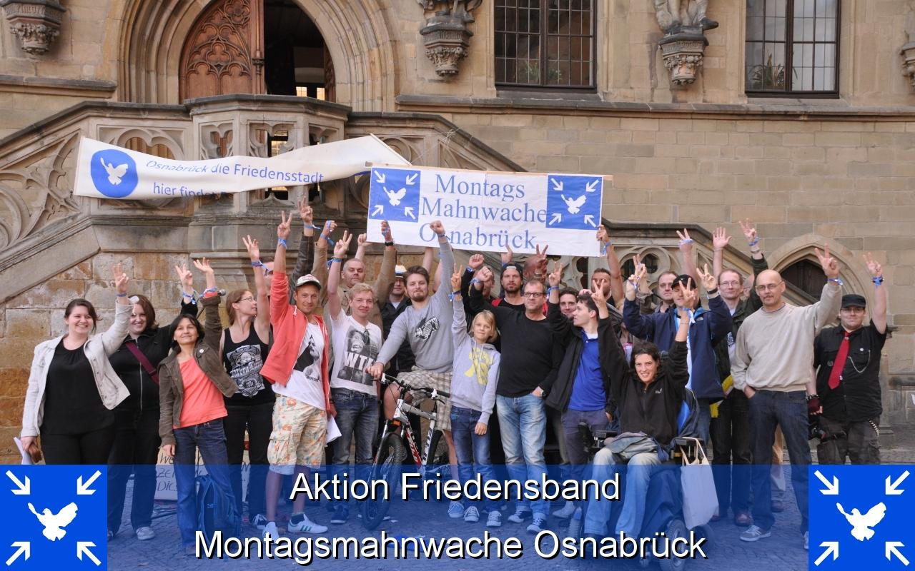 Aktion Friedensband Montagsmahnwache Osnabrueck 11.08.2014